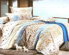 Спален комплект чаршафи - 6 части. Ефектно съчетание на бяло и синьо. Орнаменти и красиви цветя допълват десена и му придават свежест. Материята е мека и приятна и тъй като прекарваме много време в сън е необходимо да се чувстваме добре и уютно, затова ви предлагаме прекрасния спален комплект.