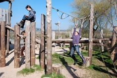 """Monkey """"bar"""" rope - Playground Build & Design 