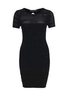 Платье French Connection - эффектный выбор. Приталенная модель черного цвета выполнена из мягкого материала. Особенности: короткие рукава, округлый вырез горловины, ажурная вязка, вырез на спинке. http://j.mp/1nlkMXQ