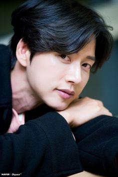 Khottie of the Week: Park Hae Jin Lee Seung Gi, Lee Jong Suk, Korean Star, Korean Men, Asian Actors, Korean Actors, Park Hye Jin, Park Seo Joon, Park Bo Gum
