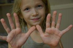 Domowa terapia ręki czyli zabawy z masą solną