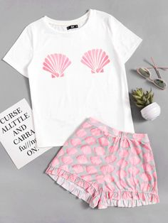 Shop Seashell Print Top With Frill Hem Shorts online. SheIn offers Seashell Print Top With Frill Hem Shorts & more to fit your fashionable needs. Cute Pajama Sets, Cute Pjs, Cute Pajamas, Girls Pajamas, Pajamas Women, Cute Lazy Outfits, Girly Outfits, Trendy Outfits, Girls Fashion Clothes