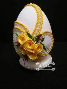 Quilted Ornaments, Beaded Ornaments, Cloth Flowers, Diy Flowers, Egg Crafts, Easter Crafts, Hobbies And Crafts, Diy And Crafts, Egg Shell Art