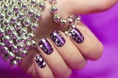 Latest Nail Art Designs now we are explain about nail arts which are famous, hot these days. latest nail art designs gallery, nail art designs for teenagers Latest Nail Art, Trendy Nail Art, Stylish Nails, Easy Nail Art, Nail Designs 2014, Simple Nail Art Designs, Cute Nail Designs, White Glitter Nails, Purple Nails