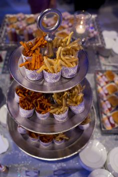 French Fry Late-Night Snacks | Front Room Photography https://www.theknot.com/marketplace/front-room-photography-milwaukee-wi-322733