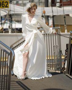 Brautkleid / Wickelkleid by Ella Deck Couture Foto: Guido Rottmann High Fashion, Formal Dresses, Deck, Haute Couture, Fashion, Marriage Dress, Bridal Gown, Gowns, Formal Gowns