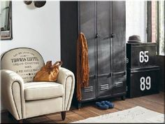 Improving Your Home The Effective Way With Vintage Industrial Furnitures You might not always be able to find a step-by-step guide out there to walk you through every single repair or improvement you're hoping to make to your home, Industrial Chic Decor, Vintage Industrial Furniture, Rustic Furniture, Industrial Design, Furniture Decor, Eiffel, Loft Design, Loft Style, Your Space