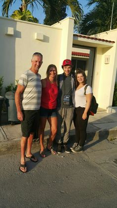 Linda Davis and family; our latest guest  stay at the Villa March 4 to the 11th, 2017.  They visited us from Moncton, New Brunswick.