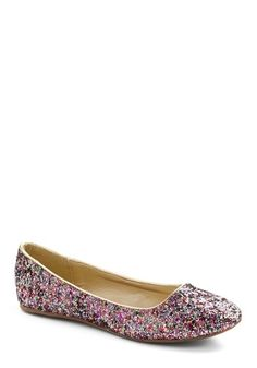 Sparkle Flats- yes please! Sparkle Flats, Glitter Flats, Buy Shoes, Me Too Shoes, Sparkly Shoes, Glitz And Glam, Couture, Womens Flats, Girls Shoes