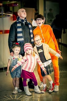 Costumes for Families Despicable Me