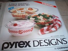 """Pyrex Designs 1980's clear bottom bowl set - name on box """"Red Cherries"""""""