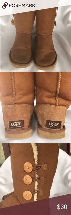 417ac417f UGG Australia Bailey Boots Sz 6 Triple Button Tan Teenage/Youth Women UGG  Boots Australia