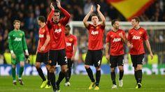 Real Madrid - Manchester United 1-1 | Los jugadores del Manchester United aplaudieron a sus aficionados tras el encuentro protagonizado en el Bernabeu. [13.02.13]