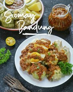Indonesian Food Traditional, Indonesian Cuisine, Snack Recipes, Healthy Recipes, Snacks, Malaysian Food, Food Crafts, Street Food, Food Photography