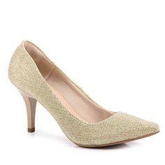 Sapato scarpin Pensatto 470290, confeccionado em camurça alternativo. Bico fino. O forro é macio para maior conforto dos pés com palmilha revestida em PU macio. Salto agulha envernizado e o solado de