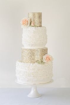 Wedding Magazine - Metallic wedding cakes... Personalized Cake serving sets... | http://thevineyard.carlsoncraft.com