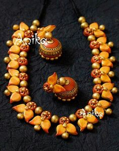 Terracotta Jewellery Making, Terracotta Jewellery Designs, Terracotta Earrings, Funky Jewelry, Jewelry Art, Handmade Jewelry, Jewelry Design, Thread Jewellery, Temple Jewellery