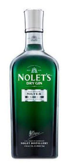 Fles Nolet's Dry Gin Volgens bel belle mans, samen met fever tree elderflower met citroenzeste