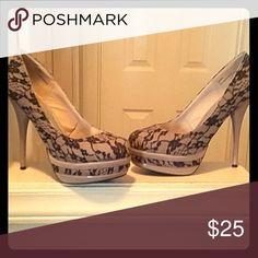 Platform heels size 9 tan and black lace Platform heels size 9 tan and black lace JustFab Shoes Platforms