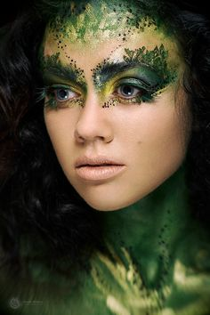 Best Picture For crazy Makeup Art For Your Taste You are looking for something, and it is going to tell … Makeup Inspo, Makeup Inspiration, Nymph Costume, Fantasy Make Up, Fairy Fantasy Makeup, Fantasy Hair, Green Makeup, Make Up Art, Cosplay Makeup