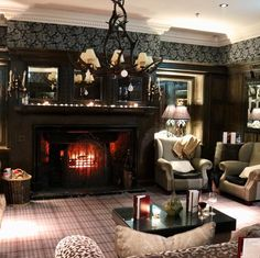 It was all very cosy by the fire last night at Staley Hall  I felt all Christmassy  . . . #fire #slaleyhall #northeast #nebloggers #nebloggers #logfire #Northumberland #autumn #walks #verybritish #thegirlgang #thehappynow #thatsdarling #livecolorfully #geordie #igersnewcastleuk #photooftheday #seeksimplicity #mycolorfullife #makingherstory #whiskeylounge #livesimply #vscocam #vsco #visitengland #uklife #bloggerlife #cosy #travel #travelgram #instatravel