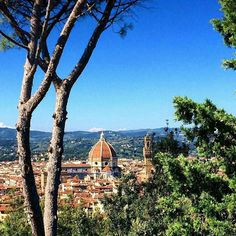 Love forever  #florence #chiantilife #life  #firenze #italy #italia #toscana #tuscany #europe #city #vacation #travel #bluesky #cathedral #view Photo credit: @jumex1412