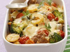 Kartoffelauflauf mit Brokkoli, Tomaten und Hackklößchen - smarter - Zeit: 30 Min. | eatsmarter.de