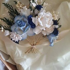 Six Beautiful Fall Wedding Decorating Ideas Wrist Corsage Wedding, Bridesmaid Corsage, Flower Headpiece Wedding, Blush Wedding Flowers, Flower Crown Wedding, Blue Bridesmaids, Blue Boutonniere, Rustic Boutonniere, Groomsmen Boutonniere