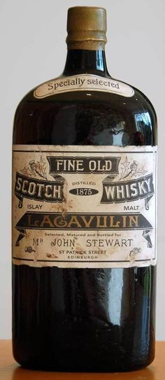 Fine Old Scotch Whisky Lagavulin - wow! I love Lagavulin smoked whisky, but I love this old bottle even more! Scotch Whisky, Whisky Islay, Jameson Distillery, Suntory Whisky, Cigars And Whiskey, Bourbon Whiskey, Whiskey Bottle, Cocktail, Retro Vintage