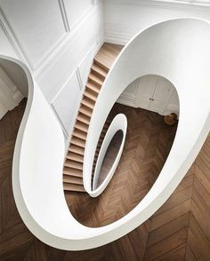 I think this staircase is one of the sexiest sculptures I've ever seen! Project b