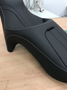 Motorcycle Equipment, Motorcycle Seats, Motorcycle Leather, Bike Seat, Car Seats, Car Seat Upholstery, Automotive Upholstery, Cafe Racer Seat, Yamaha Cafe Racer