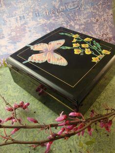 vintage black lacquer jewelry box