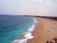 La playa de zahora vista desde el faro de trafalgar.
