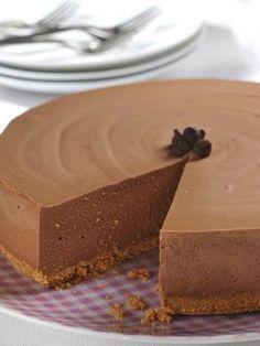 Easy No-Bake Chocolate Cheesecake