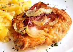 Obrácený řízek II. Veggie Recipes, Chicken Recipes, Cooking Recipes, Schnitzel Mal Anders, Czech Recipes, Ethnic Recipes, Sweet And Sour Cabbage, Prague Food, Sunday Recipes