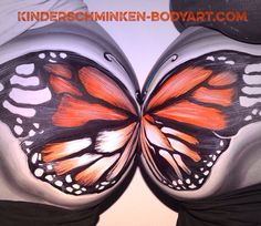 Bellypainting butterfly two Bellies