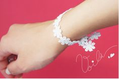 DIY: Easy Ribbon Bracelet !