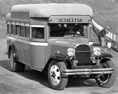1932-Buick-Flxible-Cincinnati-Bus-Factory-Photo-m1849-LCC1B4