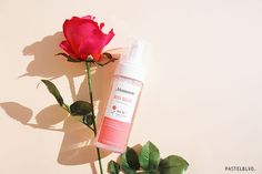 Mamonde Rose Water Bubble Cleansing Foam 150ml RM60    Gently cleanses.  Calm and soothe irritated skin after washing.  Leaves skin refreshed and moisturized.    How to use:  1. Form a desired amount of cleanser by rubbing in wet hands.  2. Massage onto face and rinse thoroughly with warm water.  #kabilahawanbiru #naturalbeautykshop #mamonde #rosewaterbubblecleansingfoam #mamonderosewaterbubblecleansingfoam #kbeauty #directfromkorea #sayajual #original