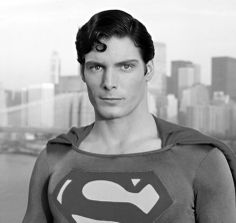A gallery of Superman publicity stills and other photos. Featuring Christopher Reeve, Margot Kidder, Marlon Brando, Susannah York and others. Christopher Reeve Superman, Clark Kent, Marlon Brando, Hero Movie, Movie Tv, Dc Comics, New York City, Superman Movies, Superman Superman