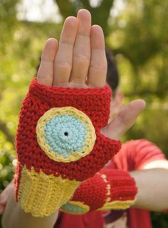 Origami Iron Man Glove How To Make Origami Paper Claws Easy. Origami Iron Man Glove How To Make Iron Mans Hulkbuster Hand From Cardboardledsnight Light. Origami Iron Man Glove Us 4299 New Hot Avengers Iron Man Gloves Can Light Cosplay… Continue Reading → Crochet For Kids, Crochet Baby, Free Crochet, Knit Crochet, Crochet Disney, Crochet Geek, Easy Crochet, Crochet Crafts, Yarn Crafts