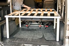 [NISSAN NV200] Cama a medida Nissan, Van Bed, Kombi Home, Sprinter Camper, Expedition Vehicle, Vw T5, Rv Campers, Campervan, Tent Camping