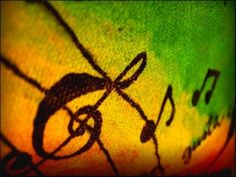 O projeto Roots Disco Reggae acontece no próximo mês, mas neste fim de semana o esquenta já está agendado.