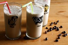 Coffee Smoothie (strongly brewed coffee, milk, instant vanilla pudding (or a banana), bit of sugar, ice cubes (and coconut and/or chocolate. Coffee Smoothie Recipes, Coffee Recipes, Yummy Drinks, Yummy Food, Tasty, Joy The Baker, Just Girly Things, Girl Things, Love Chocolate