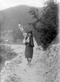 Old Romania – Adolph Chevallier photography – Romania Dacia