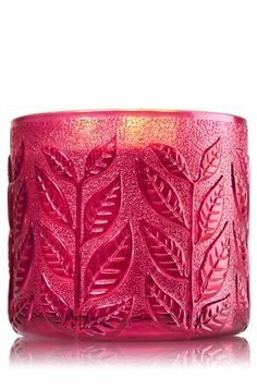 Cranberry Woods 3-Wick Candle - Fresh cranberries, black currant & warm cinnamon bark capture harvest beauty in a fruity scent