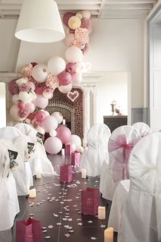 Discover recipes, home ideas, style inspiration and other ideas to try. Gold Lanterns, Wedding Lanterns, Wedding Ceremony Decorations, Wedding Centerpieces, Wedding Table, Wedding Day, Trendy Wedding, Vintage Color Schemes, Baby Shower Princess