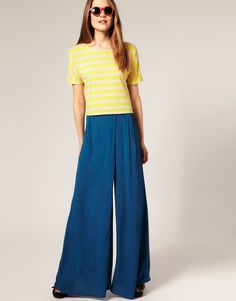 Celebrities who wear, use, or own ASOS Palazzo Pants. Also discover the movies, TV shows, and events associated with ASOS Palazzo Pants. Latest Fashion Clothes, Latest Fashion Trends, Flowy Pants, Pants For Women, Clothes For Women, Hot Outfits, Palazzo Pants, Casual T Shirts, Online Shopping Clothes