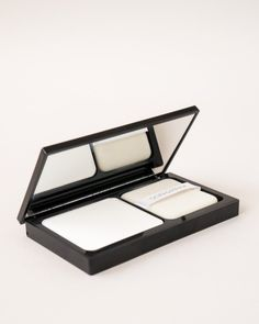 SON & PARK Flawless Pore Pact $27 11g Korean Makeup, Korean Beauty, Translucent Powder
