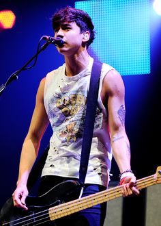 5 Seconds of Summer perform at HALLAM FM Summer Live 40th birthday party gig in Sheffield, UK - July 18th, 2014